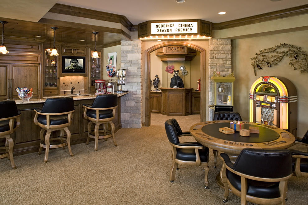 Example of a classic home bar design in Minneapolis