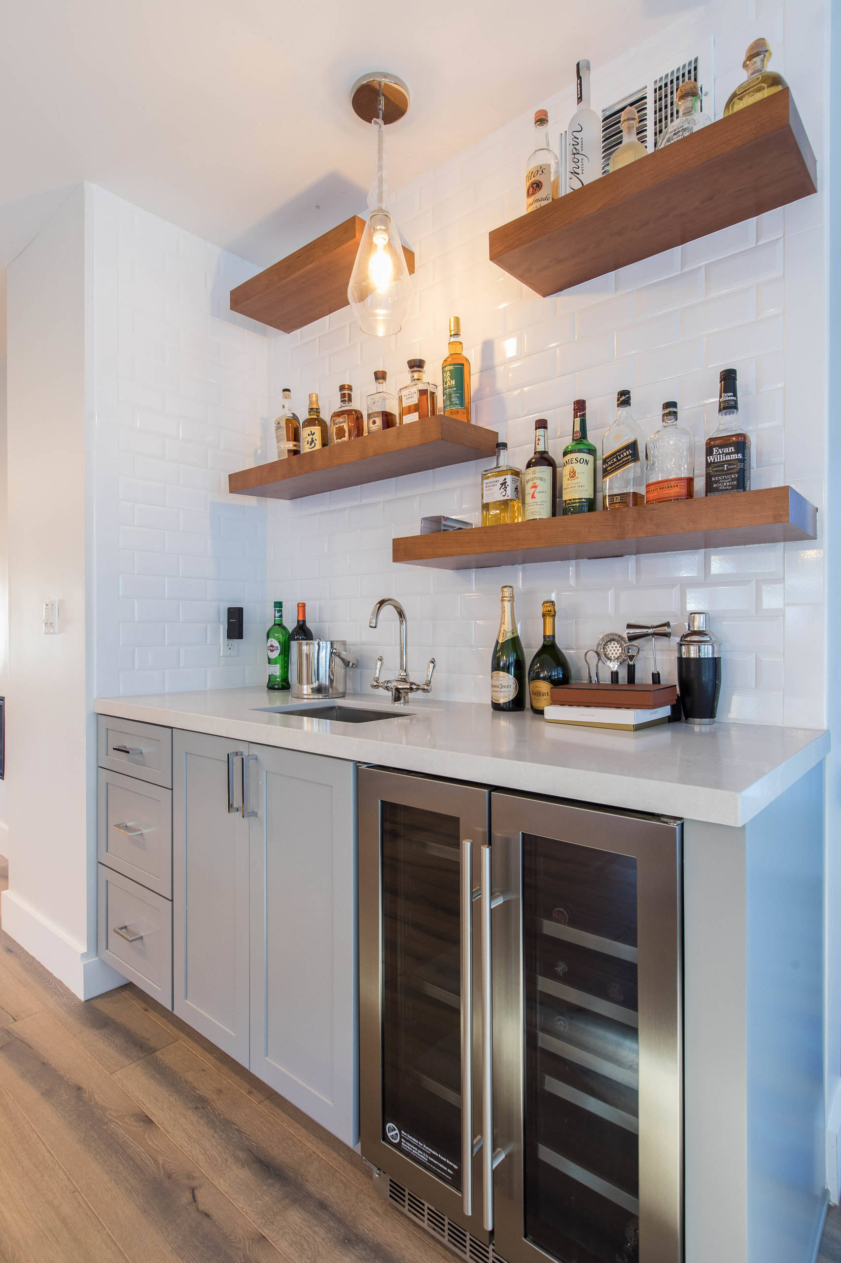 75 Beautiful Small Home Bar Pictures Ideas February 2021 Houzz