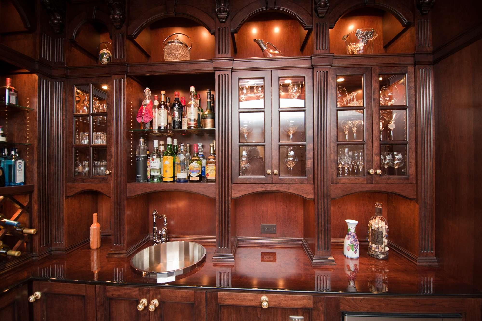 High-gloss cherry bar