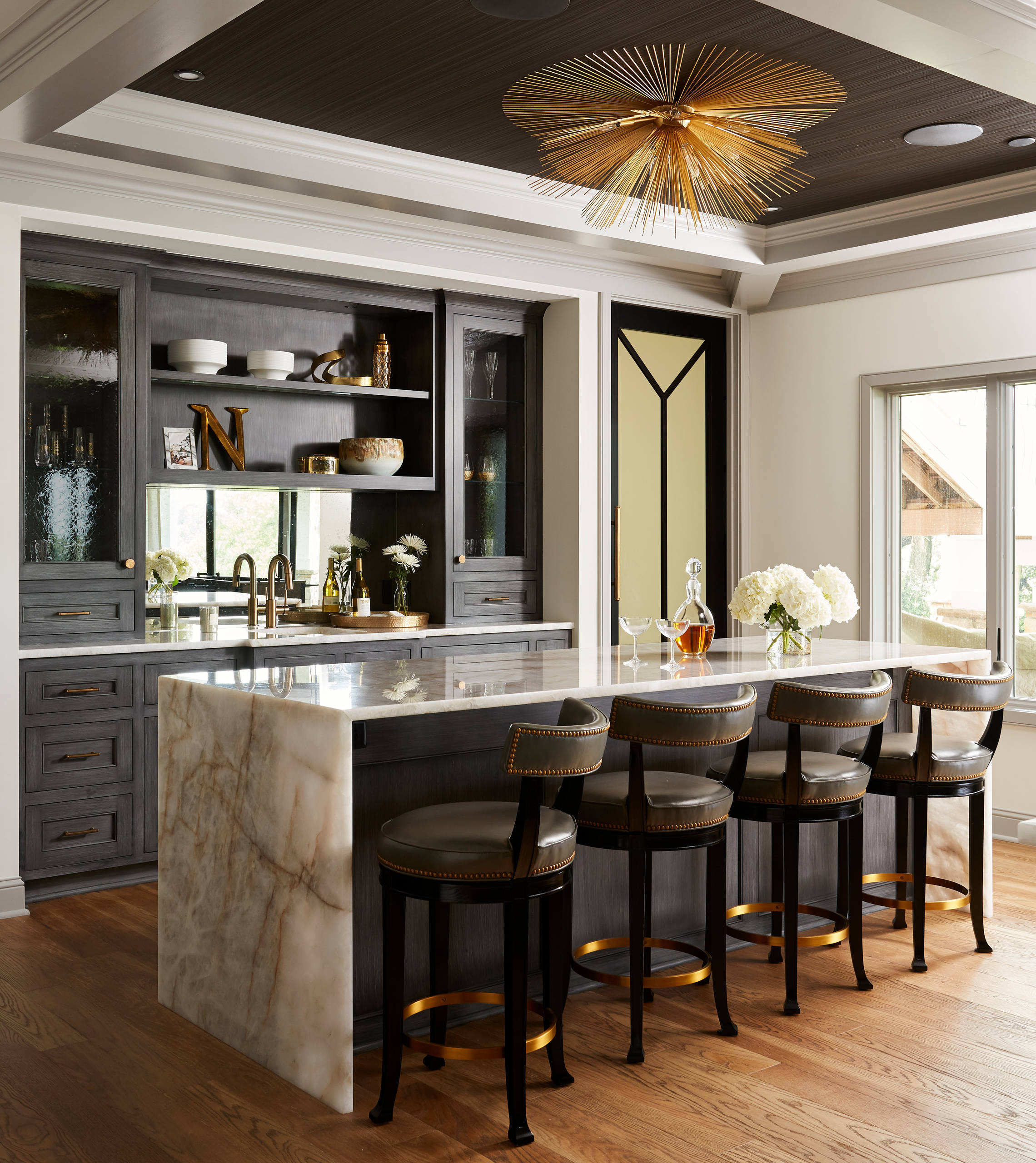 - 75 Beautiful Home Bar With Mirror Backsplash Pictures & Ideas
