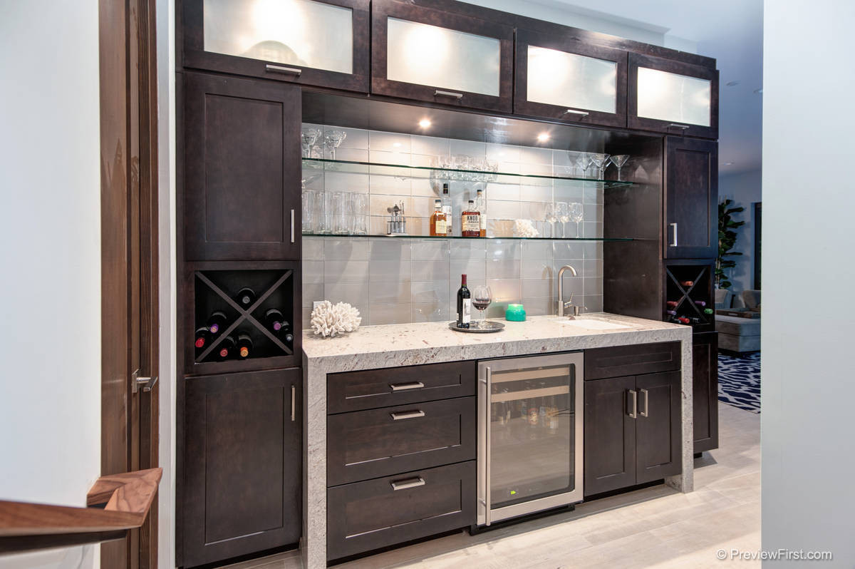 75 Beautiful Modern Home Bar Pictures Ideas November 2020 Houzz
