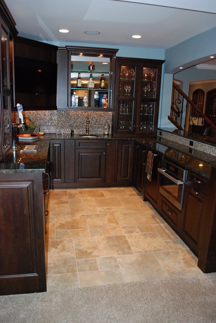 Omaha Drive Burr Ridge Il Traditional Home Bar Chicago By Cabinets 4u Inc