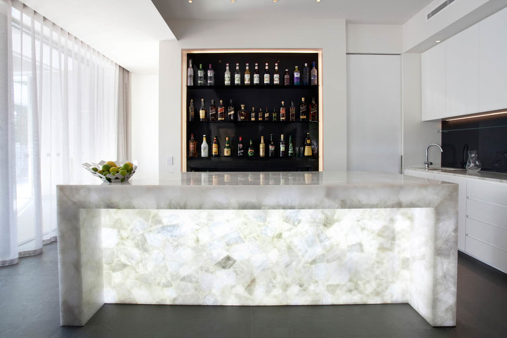 Large trendy galley home bar photo in Melbourne