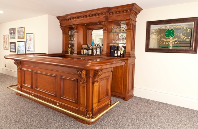 Home Bar For Those Who Love Their Sports And Drinks