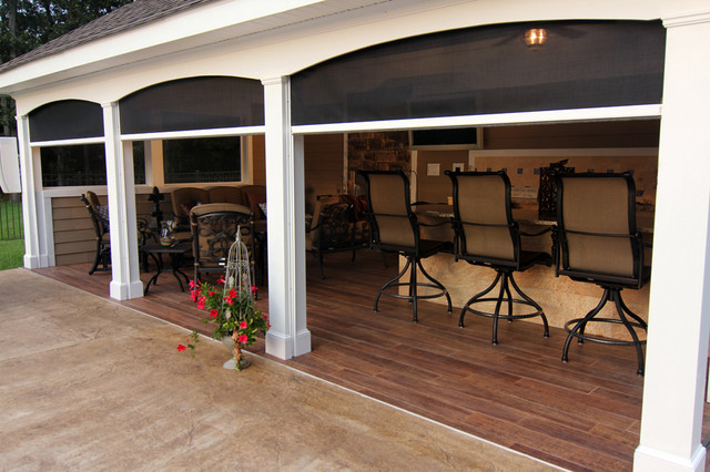Retractable patio lanai screens traditional columbus for Retractable screen porch systems