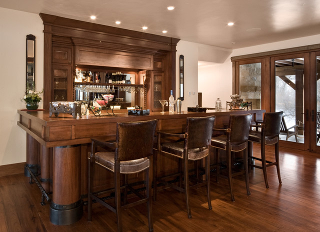 River Bend Ranch traditional-home-bar