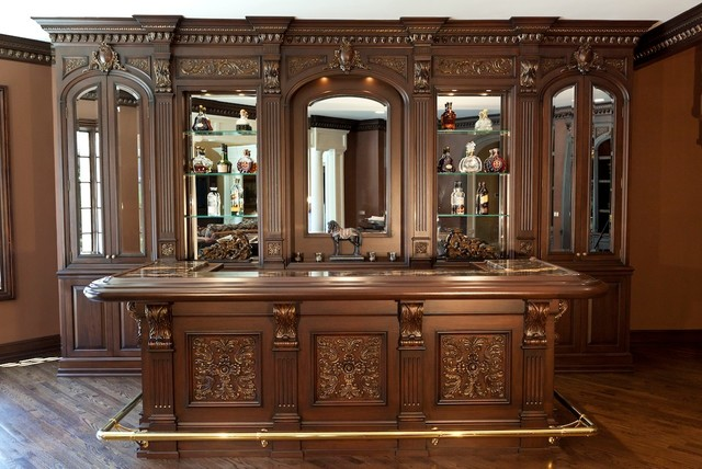 Home Bar   Mid Sized Traditional Medium Tone Wood Floor Home Bar Idea In New