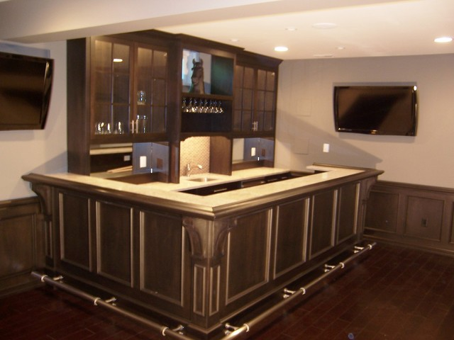 traditional style wet bar traditional basement. Black Bedroom Furniture Sets. Home Design Ideas
