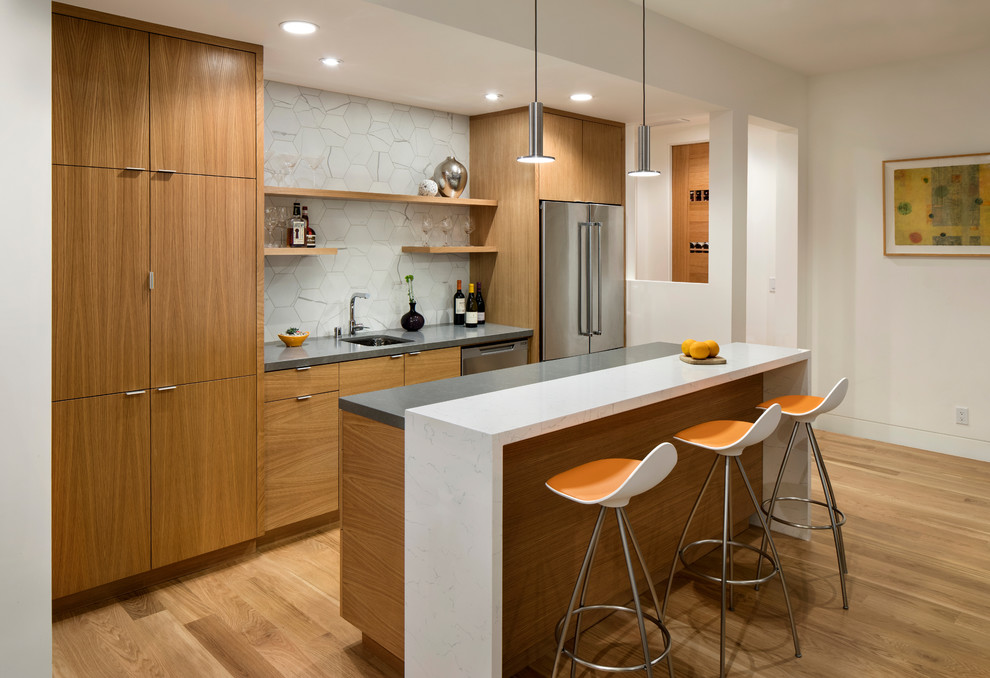 Inspiration for a modern home bar remodel in San Francisco