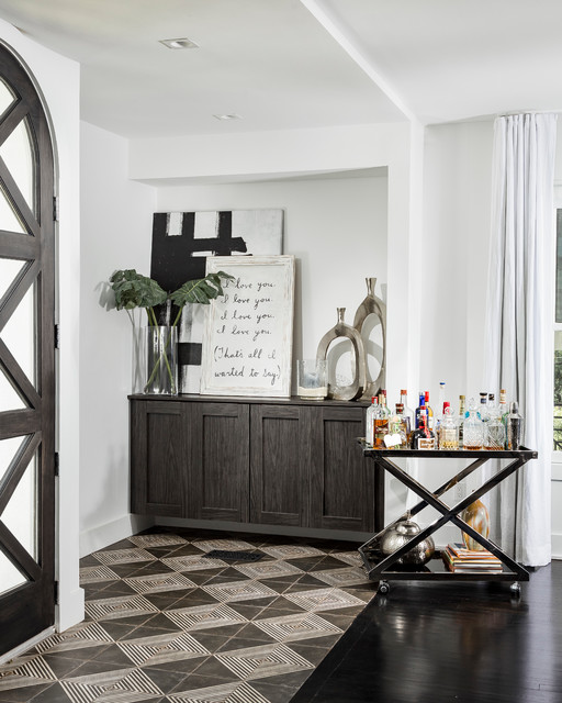 Westchester Contemporary Home Bar
