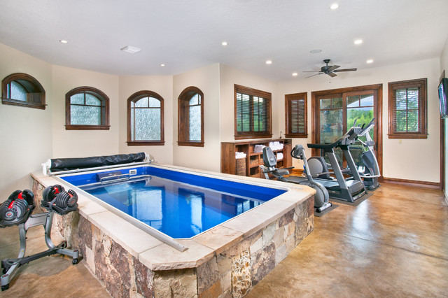 traditional home gym by Pinnacle Mountain Homes