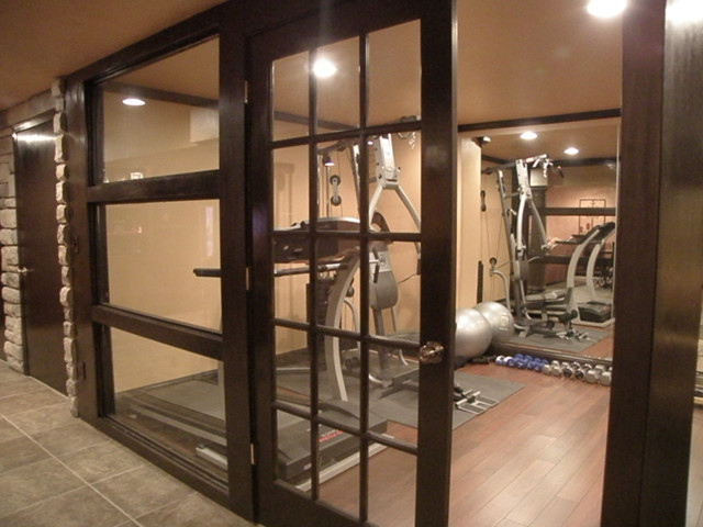 Home gym decorating ideas with glass wall