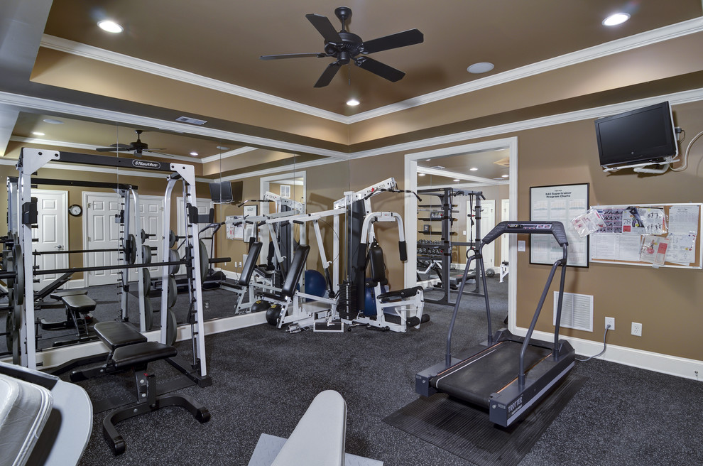 Inspiration for a timeless home gym remodel in Atlanta