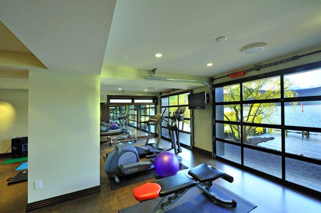 Home gym - modern home gym idea in Vancouver