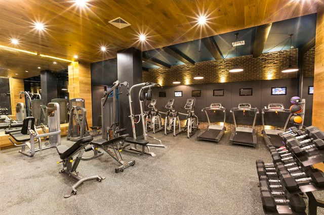 engineered pre finished flooring paneling gym clectique salle de sport new york par. Black Bedroom Furniture Sets. Home Design Ideas