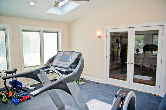 Exercise room in middlesex county contemporary home