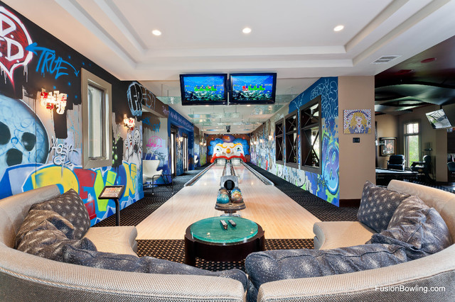 Home bowling alley for new york yankee baseball player s