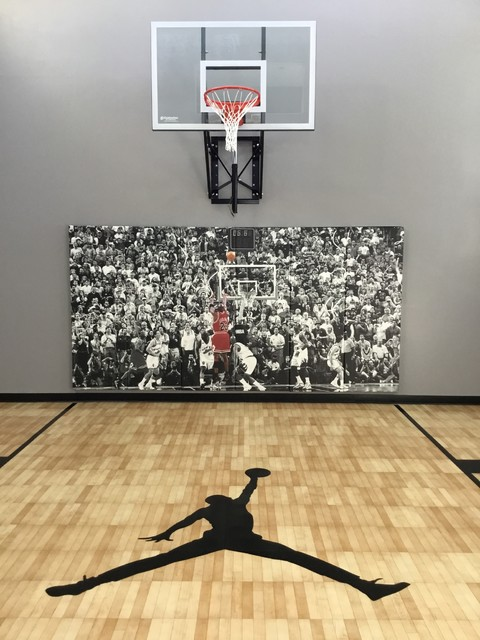 Indoor Basketball Court Lakeville Mn Traditional Home Gym Minneapolis By Millz House Houzz Uk