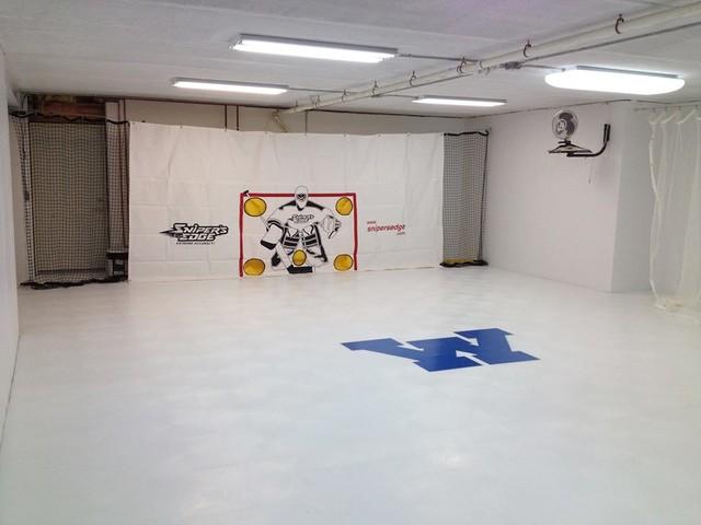 Indoor home gym hockey basement flooring for Basement sport court