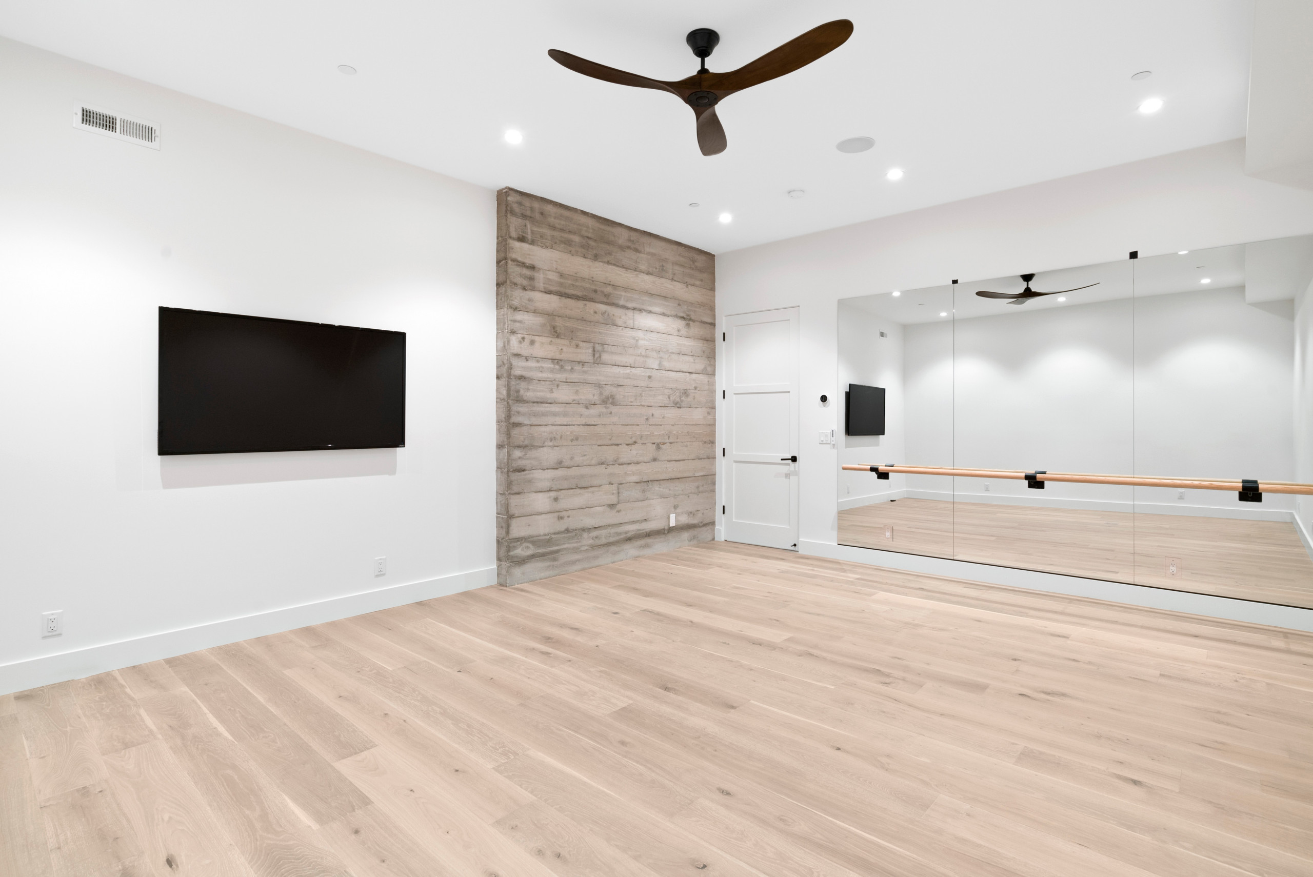 18 Beautiful Modern Home Yoga Studio Pictures Ideas October 2020 Houzz