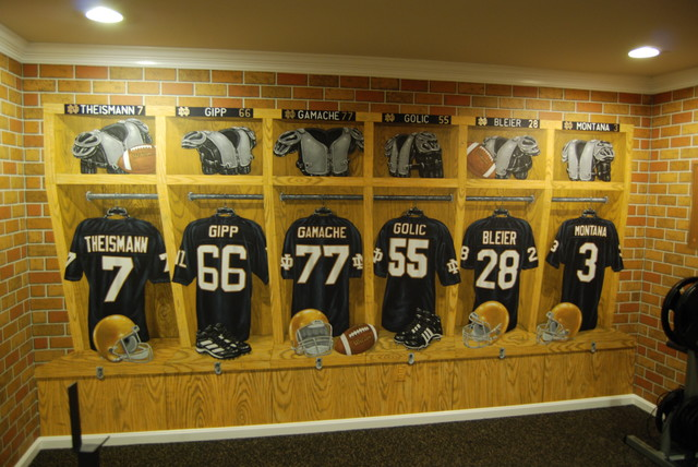 Notre Dame Football Locker Room Mural By Tom Taylor Of Mural Art LLC In  Florida Traditional Part 5