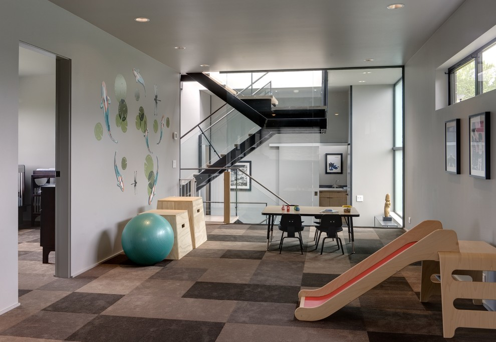 Inspiration for a large contemporary carpeted multiuse home gym remodel in Seattle with gray walls