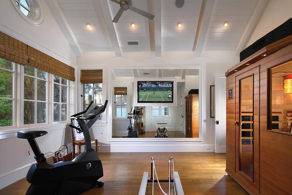 Example of a classic home gym design in Orange County