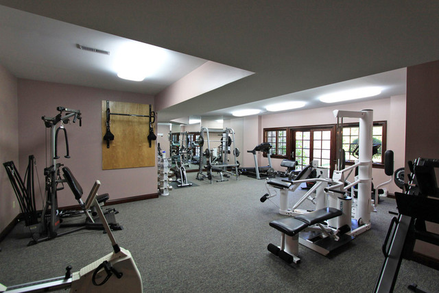 Private luxury estate for sale in medina ohio for Luxury home gym