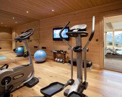Ski resort chalet contemporary-home-gym