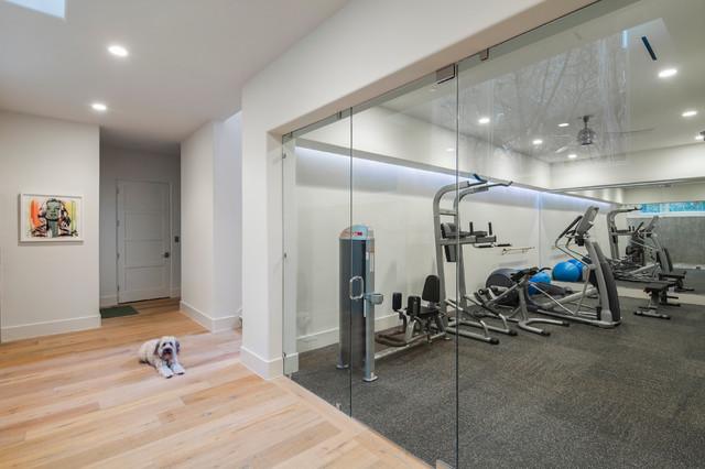 stratford ii residence moderne salle de sport austin par cornerstone architects. Black Bedroom Furniture Sets. Home Design Ideas