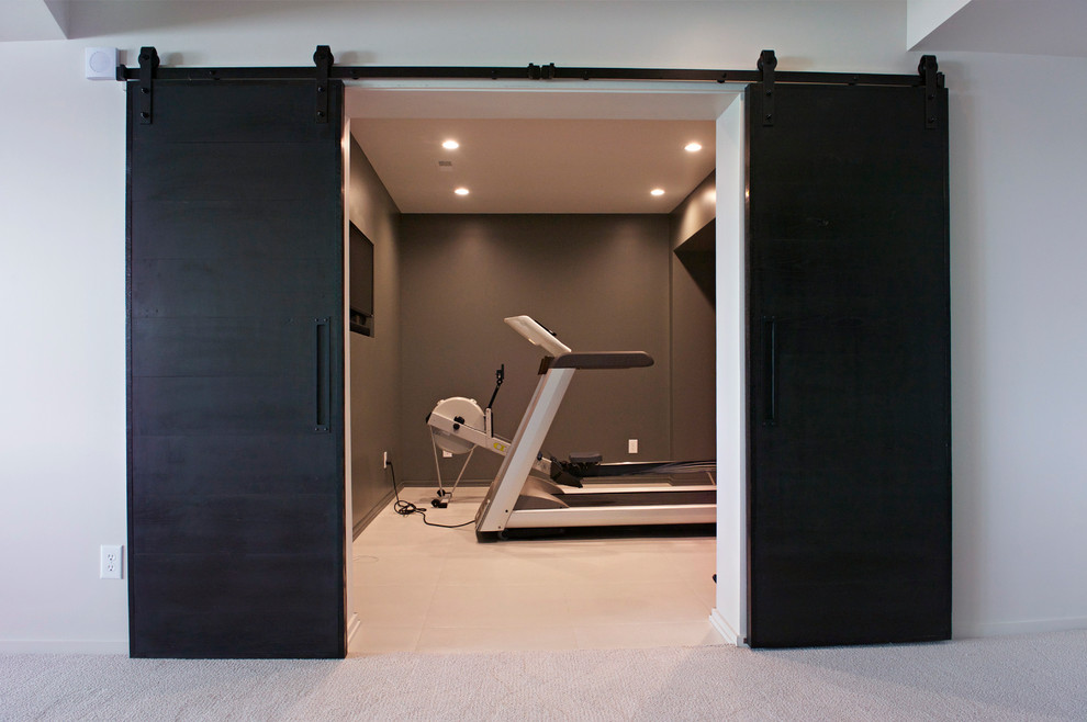 Example of a minimalist home gym design in Other