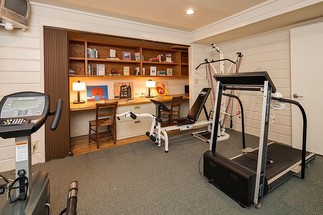 Yarrow point water front home contemporary gym