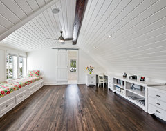 Attic/Loft space contemporary family room