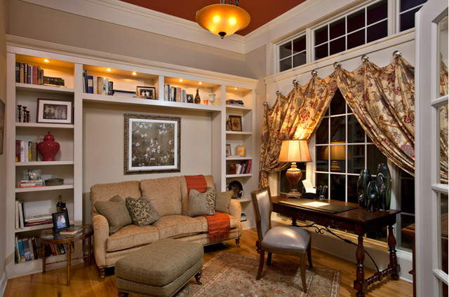 2009 Parade of Homes traditional-home-office