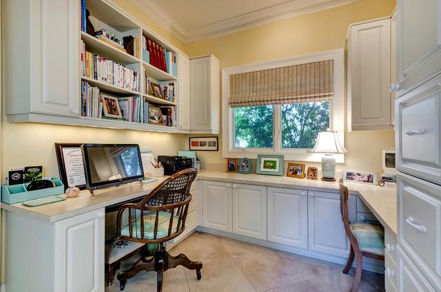 25 Mar Vista Circle traditional-home-office
