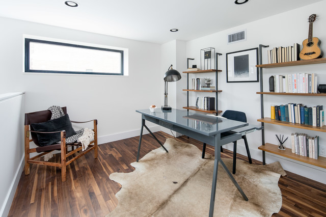 Trendy home office photo in New York