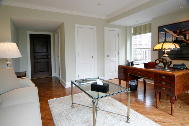 5th Avenue Apartment traditional-home-office