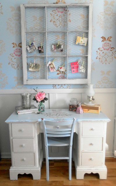 A Vintage Cottage Inspired Office Nook In A Master Bedroom