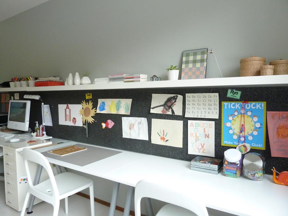 Minimalist home office photo in Seattle