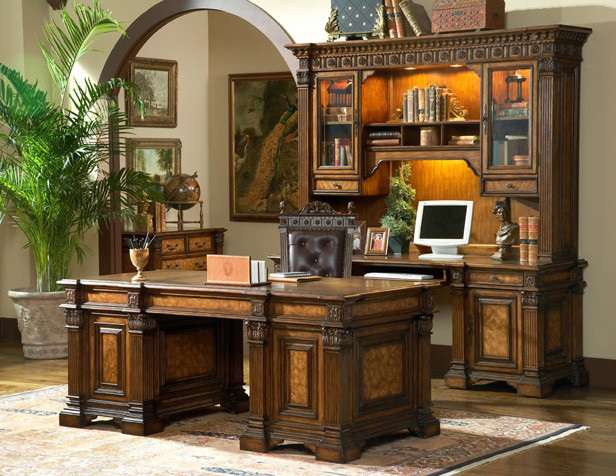 Attirant Inspiration For A Mediterranean Home Office Remodel In Vancouver