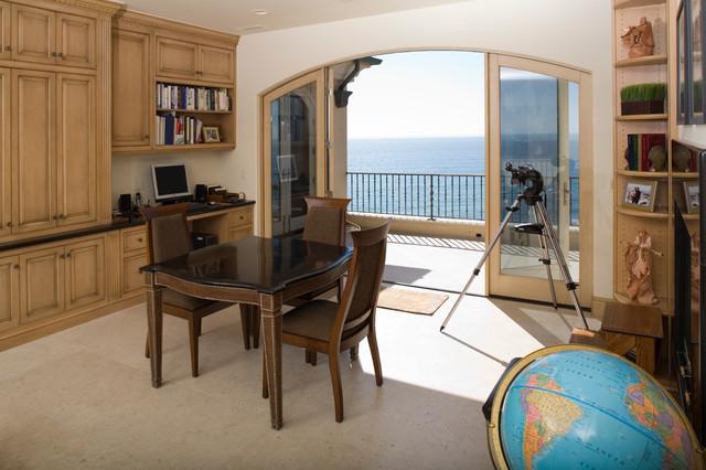 Belardi Residence traditional-home-office
