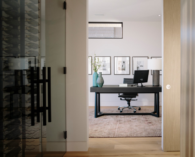 Bellevue Avenue Home contemporary-home-office