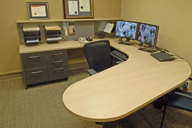 Boomerang Desk Design