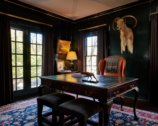 Inspiration for a timeless home office remodel in Dallas