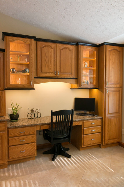 Busse Updated Oak Kitchen Traditional Home Office Cincinnati By Mauk Cabinets By Design