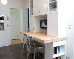 Ravenswood Manor Residence contemporary-home-office