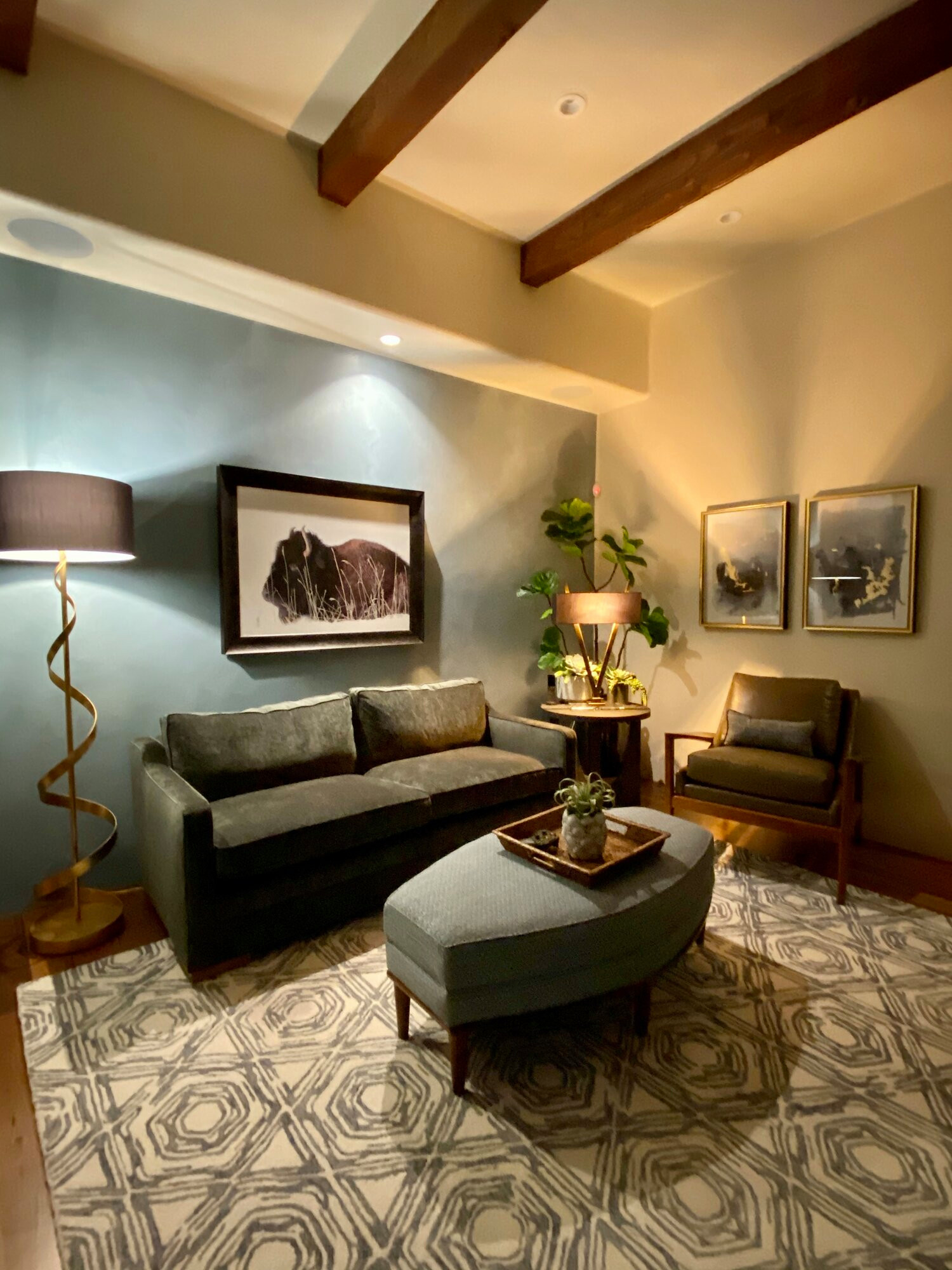 Inspiration for a transitional home office remodel in Phoenix