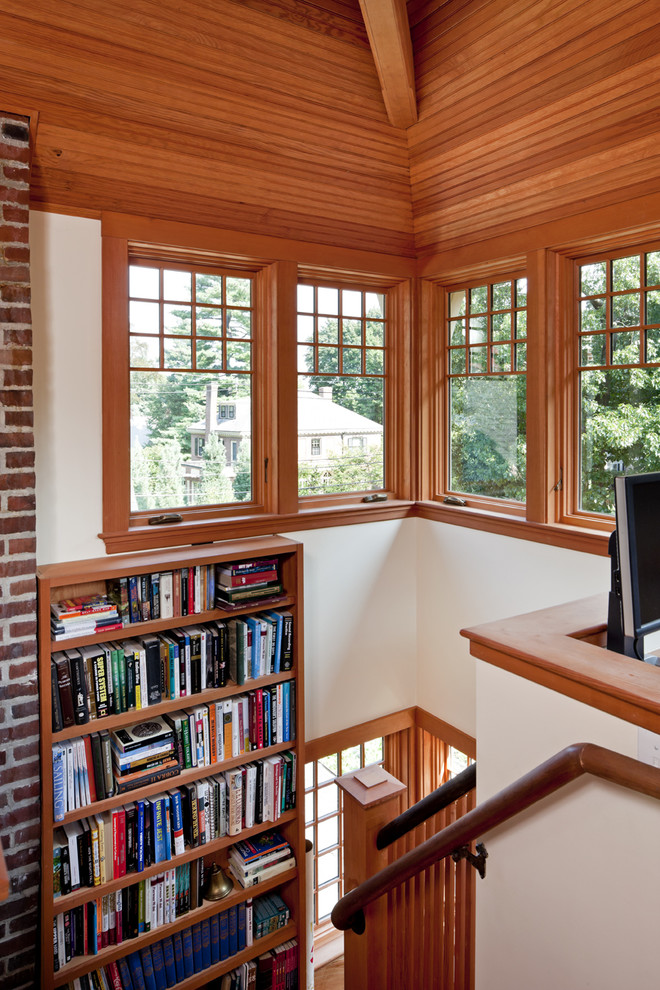 Example of a classic home office design in Boston