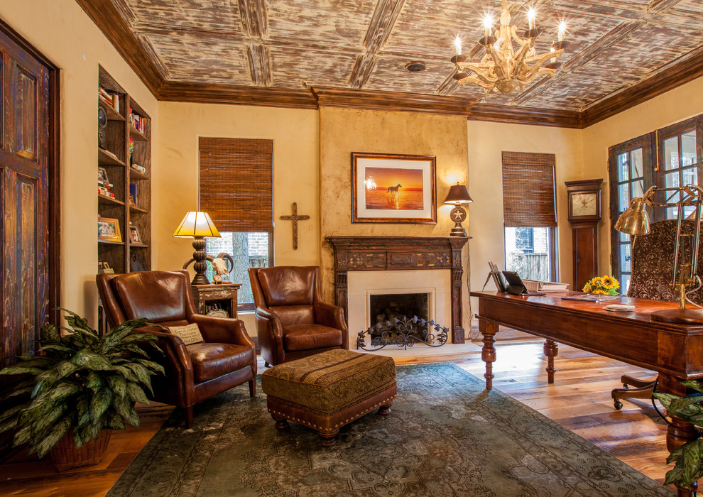 Mountain style home office photo in Dallas