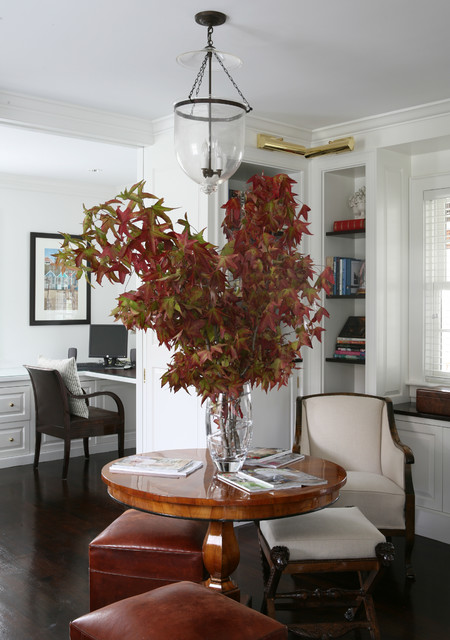 Classic Hyannisport Residence traditional-home-office